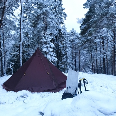 Tentipi Olivin and Hyperlite Mountain Gear Southwest 4400 (HMG)